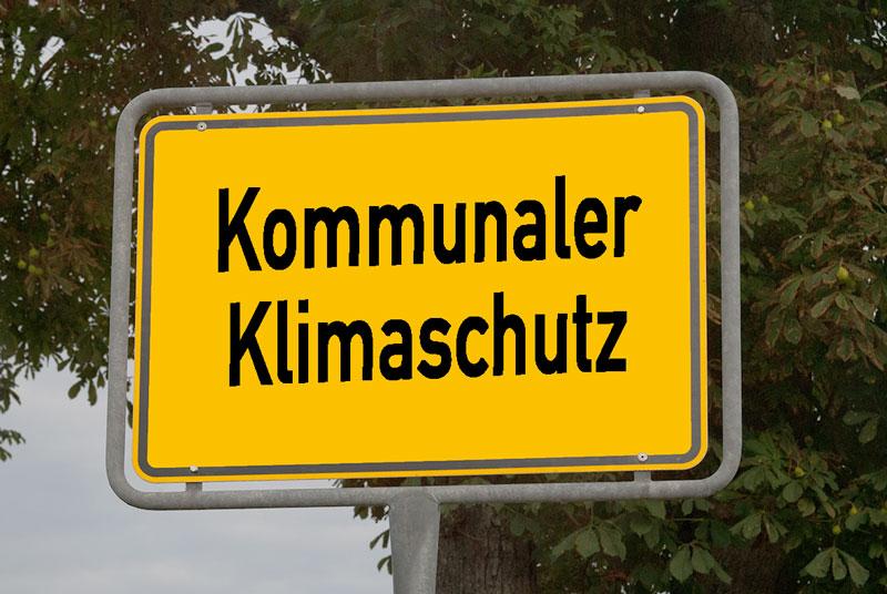 Montage_Ortsschild_Kommunaler Klimaschutz