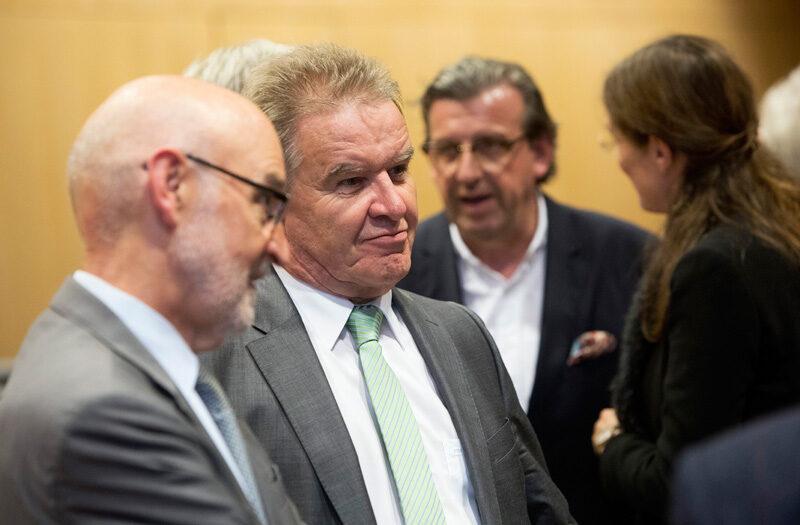 Baden-Württembergs Umweltminister FRanz Untersteller auf einem Symposium des Ministeriums