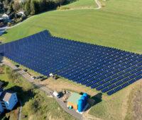 Solarthermieanlage im österreichischen Ort Mürzzuschlag