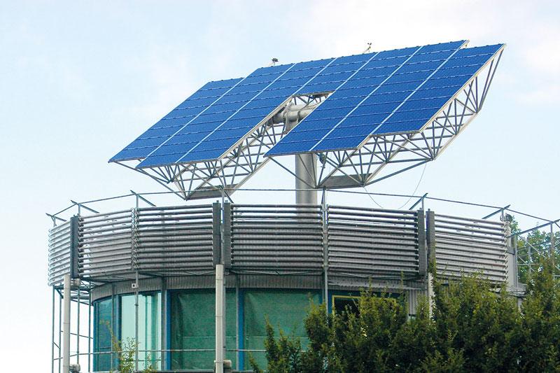 Nachführbare Photovoltaikanlagen auf drehbarem Haus