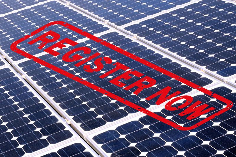 "Photovoltaik-Module mit Stempel ""Register Now"""