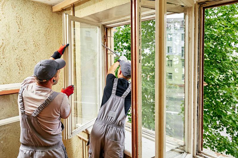 Fenstertausch durch Handwerker im Altbau