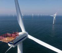 Blick über einen Offshore-Windpark