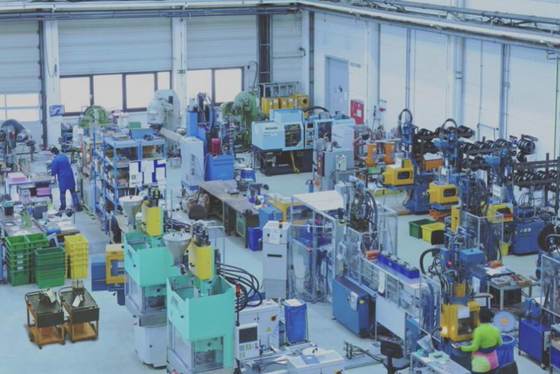 Blick in eine Produktionshalle.