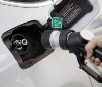 Zu sehen ist ein Auto mit Wasserstofftank, Sicherheit von Wasserstofftechnologien ist wichtig.