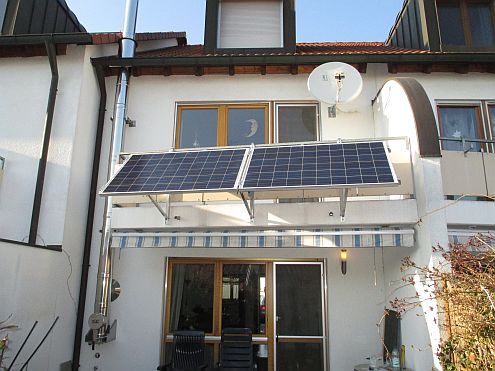 Mit Steckermodulen selbst Sonnenstrom vom Balkon produzieren @ Medienbäckerei