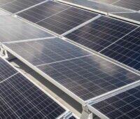 Solarmodule auf einem Flachdach