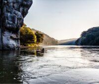 Zu sehen ist der Donaudurchbruch bei Kelheim als Symbol für Wasserstoff in der umweltfreundlichen Kreislaufwirtschaft.