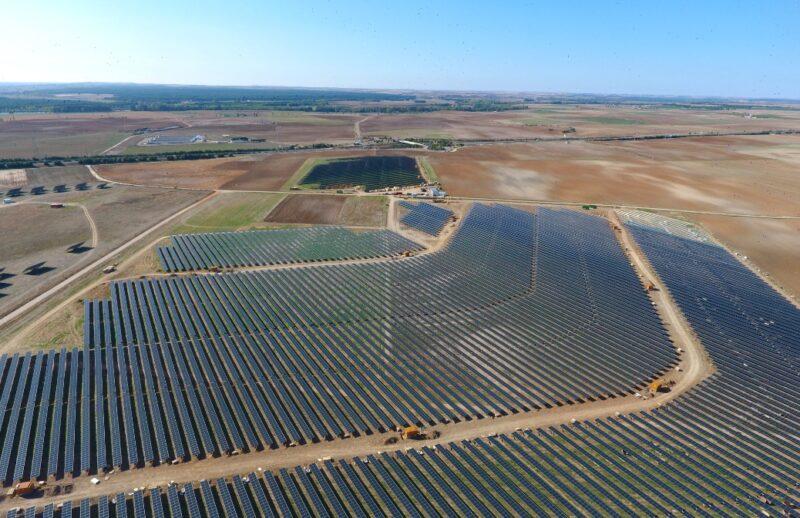 Zu sehen ist der Photovoltaik-Solarpark Tordesillas.