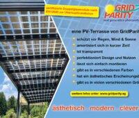 Rechts Bild: überdachte Terasse mit PV-Doppelglasmodulen von GridParity, Links: Text mit Vorzügen von PV Terasse mit Modulen, die zur Überkopfinstalltion geeignet sind.