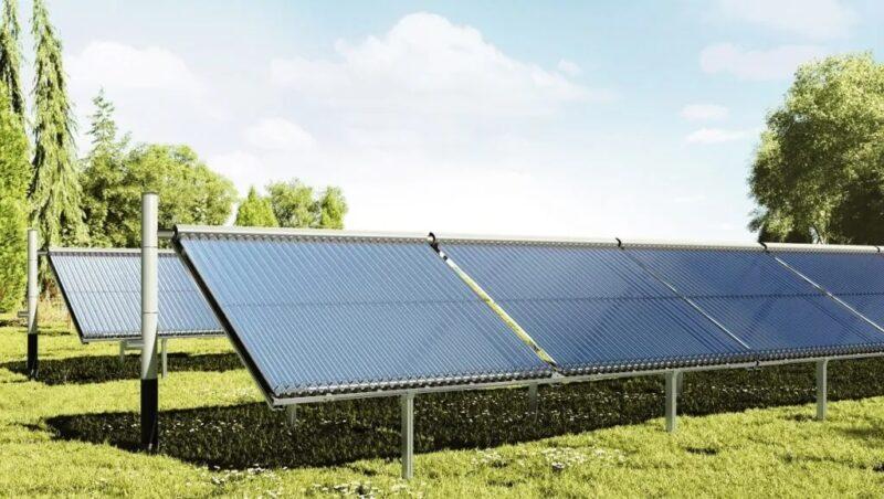 Zu sehen ist ein Solarkollektor von Viessmann, der für Innovative KWK-Systeme geeignet ist.