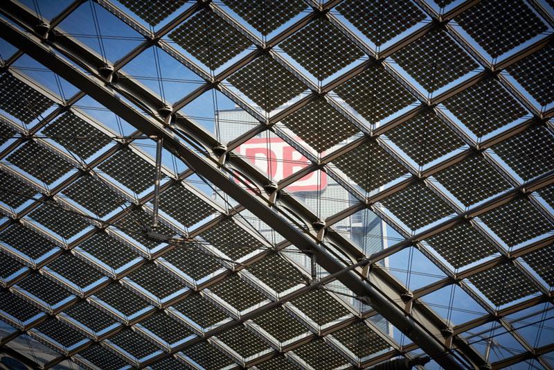 Photovoltaik-Dach des Berliner Hauptbahnhofs