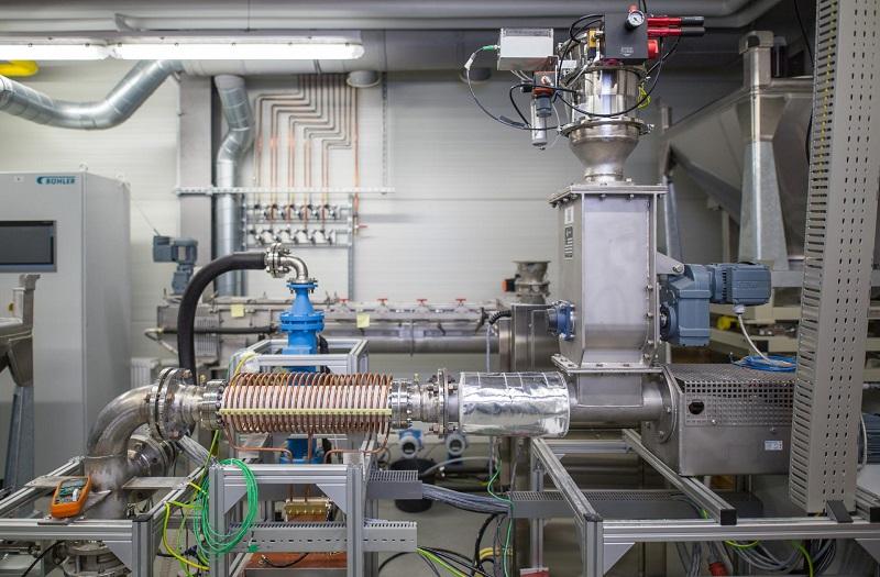 Zu sehen ist ein thermochemischer Kalkspeicher wie er als Pilotanlage am DLR für das klimaneutrale Heizen entwickelt wird.