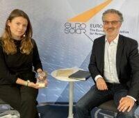 Deutscher Solarpreis 2021: Zu sehen sind Preisträgerin Luisa Neubauer und Fabio Longo, Vizepräsident von Eurosolar.