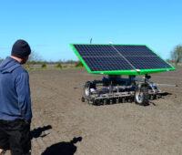 Agrarroboter mit Photovoltaikmodulen