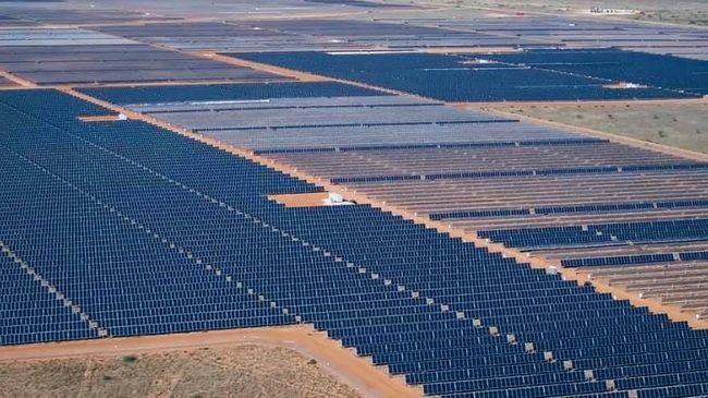 Zu sehen ist eine Luftaufnahem des Lapetus Solar-Projekt im texanischen Andrews County.