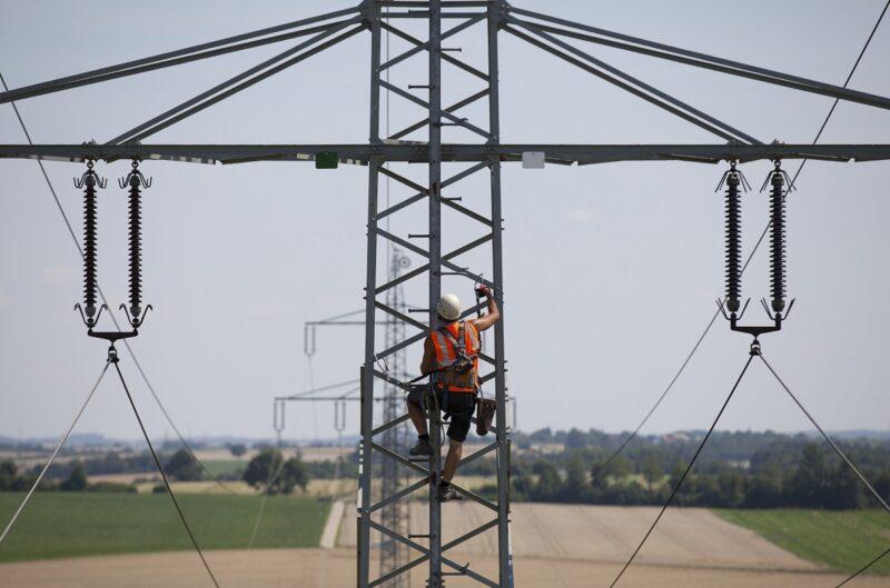 Zu sehen ist ein Stromnetz, für das die Softwarelösung für Redispatch 2.0 gedacht ist.