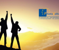 Titelbild einer Studie von ETIP zeigt zwei Personen mit gereckten Armen vor einer aufgehenden Sonne