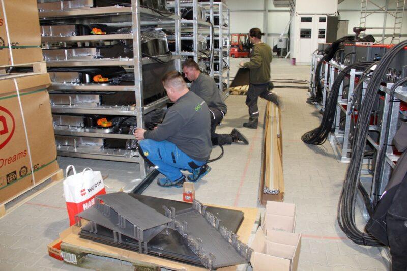 Blick in die neue Fertigung für Containerspeicher in Künzing.