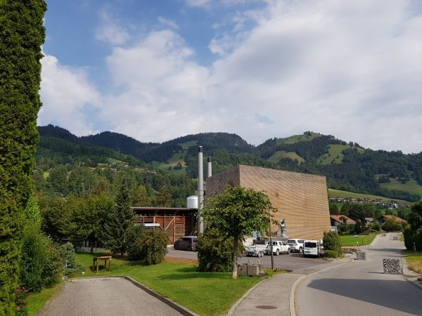 Zu sehen ist eine Holzgas-BHKW der Firme ReGaWatt in der Schweiz.