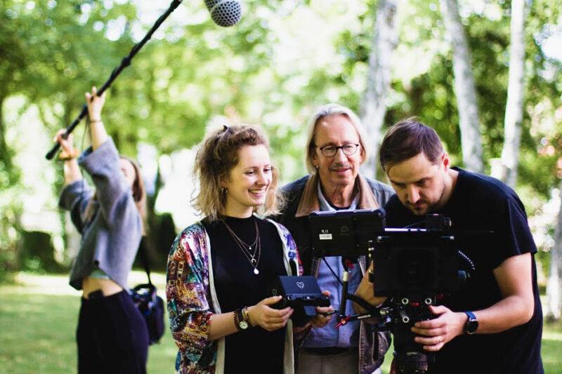 Carl-A. Fechner und Johanna Jaurich am Filmset