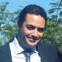 Fermín Jiménez Castellanos erläutert die Solarpflicht in Barcelona.