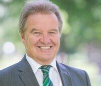 Portrait von Energieminister Franz Untersteller, der die Neuauflage der Fördung für PV-Speicher 2021 verkünden konnte