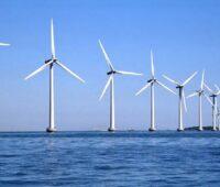Zu sehen ist ein Offshore-Windpark. Dessen Windstrom könnte man direkt vor Ort zur Wasserstofferzeugung auf dem Meer nutzen.