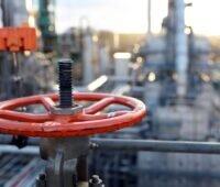 Zu sehen ist eine Raffinerie von Preem, in einer solchen soll grüner Wasserstoff in Schweden produziert werden.