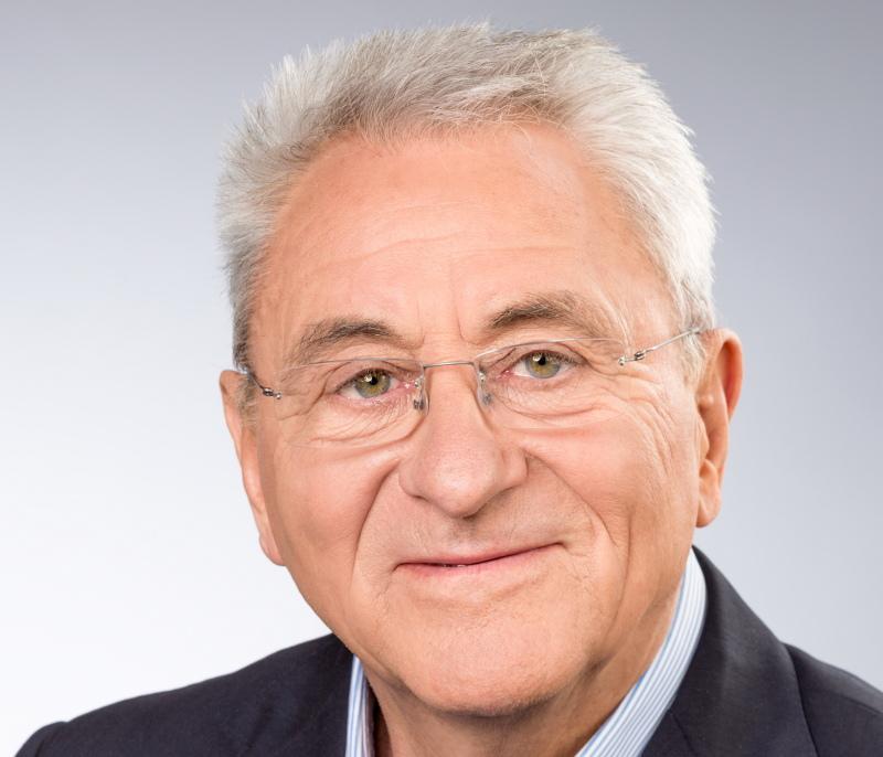 Zu sehen ist das Gesicht des Vorstandsvorsitzenden der IBC Solar AG, Udo Möhrstedt