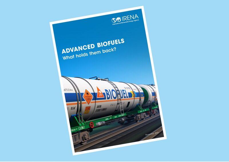 Das Bild zeigt das Deckblatt einer Studie der Internationale Agentur für erneuerbare Energien (IRENA) zu Hemnissen von flüssigne Biokraftstoffen.