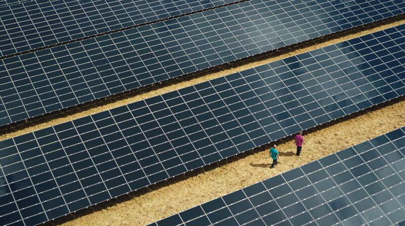 Marktparität für Photovoltaik und Onshore Wind ist in vielen europäischen Strommärkten erreicht. ZU sehen ist ein Solarpark in Deutschland.