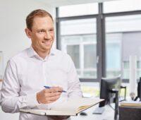 Zu sehen ist Dr. Max Peters, Leiter des Kompetenzzentrum Wärmewende.