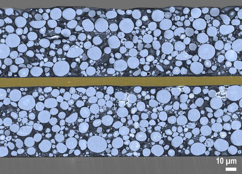 Mikroskopaufnahme einer neuartigen IWS-Trockenfilmverfahren hergestellten NMC-Kathode