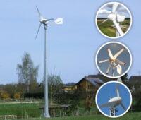 Eine Kleinwindkraftanlage auf einem Bauernhof