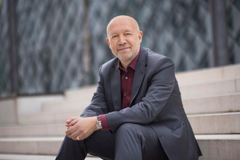 Portrait von Andreas Kuhlmann, Vorsitzender der Geschäftsführung der Deutschen Energie-Agentur (dena)