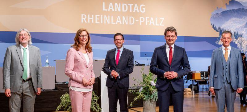Die Fraktionsvorsitzenden der Fraktionen der B90/DIE GRÜNEN, SPD, FDP, CDU und der FREIEN WÄHLER im Mainzer Landtag.