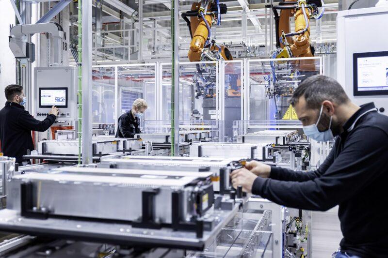 Zu sehen ist das Werk von Mercedes für die Produktion von Hochleistungs-Batteriesystemen.
