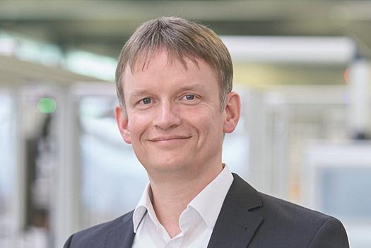 Zu sehen ist Gunter Erfurt, CEO von Meyer Burger, der eine Photovoltaik-Produktion in Deutschland aufbauen will.