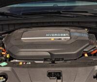 Blick auf einen Brennstoffzellen-Motorblock.