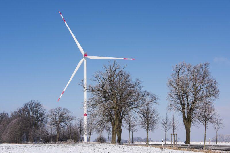 Zu sehen ist eine Windenergieanlage, von denen Nordex laut Geschäftsbericht 2020 deutlich mehr installiert hat.
