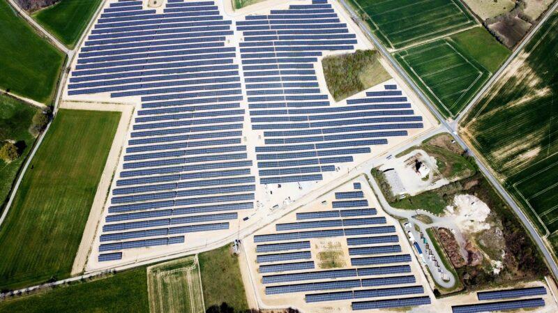 Zu sehen ist der Notus-Photovoltaik-Solarpark in Frankreich.