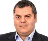 Zu sehen ist Giuseppe Farinato, der ein Experte für Photovoltaik-Kraftwerke in Italien ist.