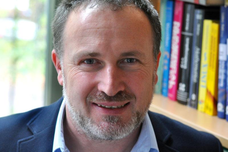 Portraitfoto Prof. Patrick Huber, TU Hamburg