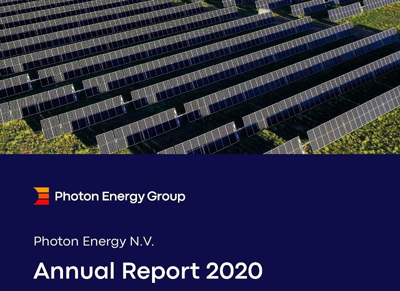 Zu sehen ist das Deckblatt vom Jahresbericht 2020 der Photon Energy Group.