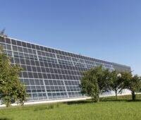 Zu sehen ist das Forschungszentrum von Meyer Burger. Das Unternehmen arbeitet mit CSEM zusammen.