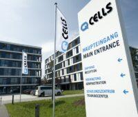 Zu sehen ist der Sitz von Q Cells in Thalheim. Das Unternehmen bietet nun Ökostromtarife für Unternehmen an.