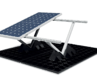 Zu sehen ist das System vom Photovoltaik-Gründach vom Polarstern Kooperationspartner Contec.