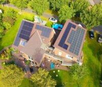 Luftbild einer Wohn-Geschäftsgebäudes