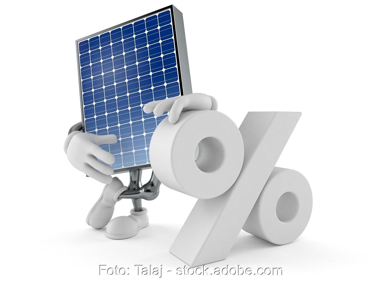 Zu sehen ist eine symbolische Darstellung der Preise für Photovoltaik-Module im September 2020.